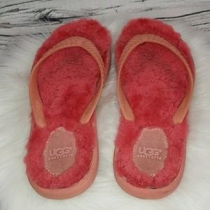 UGG pink furry slip on thong sandals Like new 7